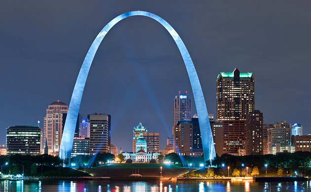 missouri-st-louis-gateway-arch-night